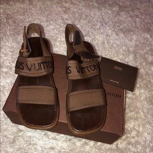 Authentic Louis Vuitton Sandy's size 8